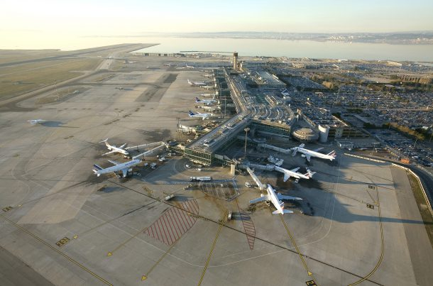 Aéroport de Marseille Provence vu du ciel