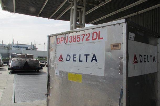 Transport aérien de matériel de concert en caisse