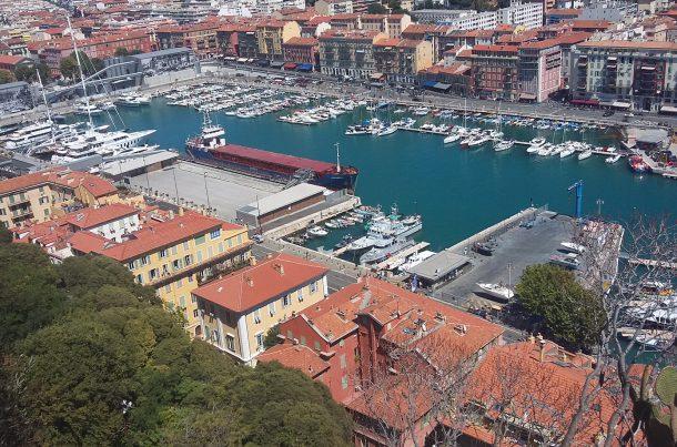 Port de Nice avec l'usine d'évacuation du tunnel du tramway