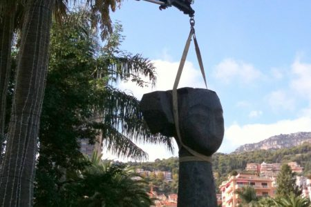 Grutage Exposition Manolo Valdes Monaco