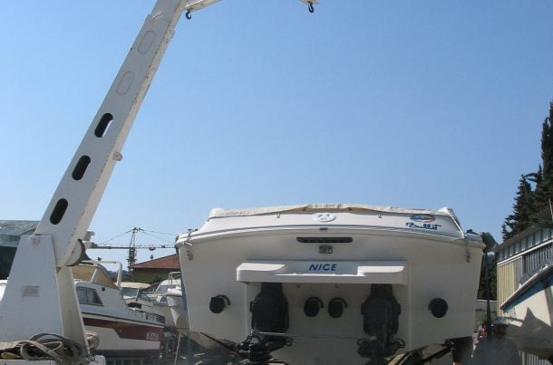 Manutention de yachts, port de Nice