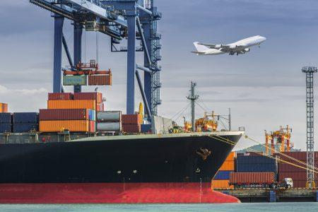 Marché du transport maritime et aérien