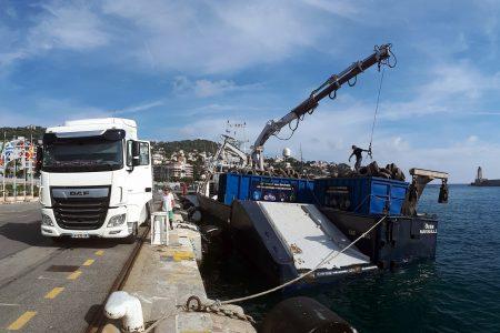 Transport de déchêts, port de Nice