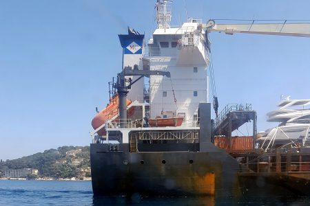 Transport de yachts, port de Nice