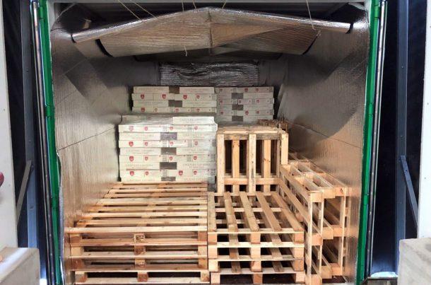 Export de vin en conteneur complet, avec couverture isotherme.