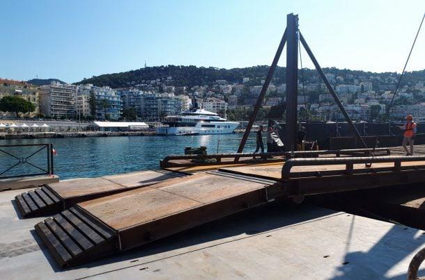 Chargement de gravats, port de Nice