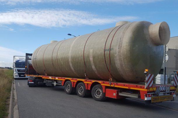 Cuves Simop transportées par voie maritime via Anvers au Moyen-Orient